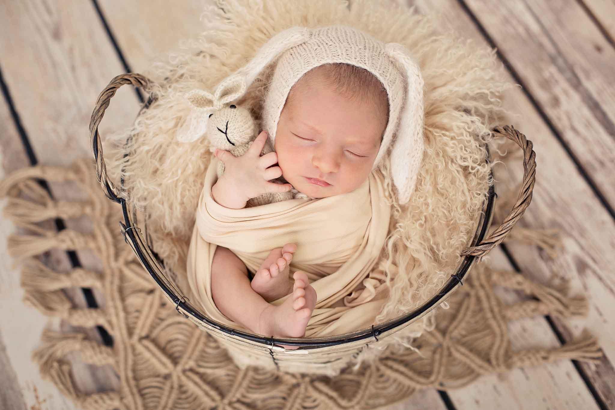 Contratar sesión de fotos de recién nacido en Madrid
